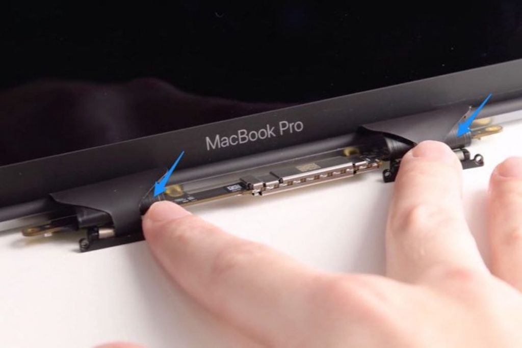 короткий шлейф подсветки MacBook Pro